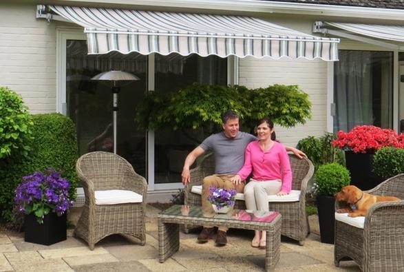 Primrose m s de 12 a os creando jard nes felices for Toldos para patios interiores
