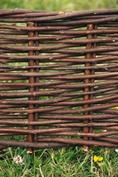 Perfil separador decorativo para jard n de mimbre trenzado a20cm x l2m 49 99 - Separador jardin ...