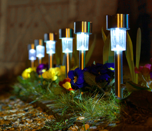 Balizas solares de acero inoxidable para jard n con luces for Luces para jardin exterior