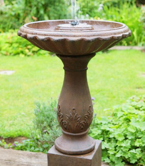 Fuente beaumont efecto bronce bebedero de p jaros 79 99 - Fuente para pajaros ...